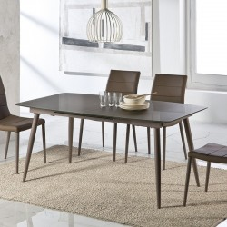 TABLE A MANGER LARA